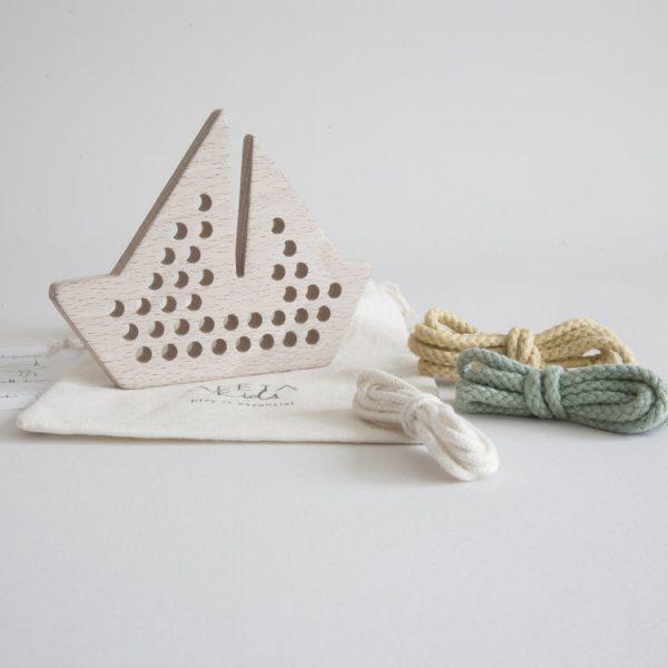 aleta-kids-boat-lacing-toy-packaging