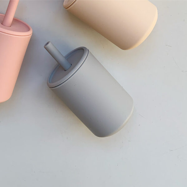 the future artist straw cup with lid cloud