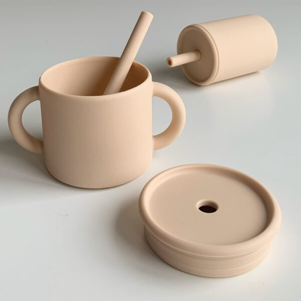 The Future Artist Silicone Training Cup with Straw oat 3