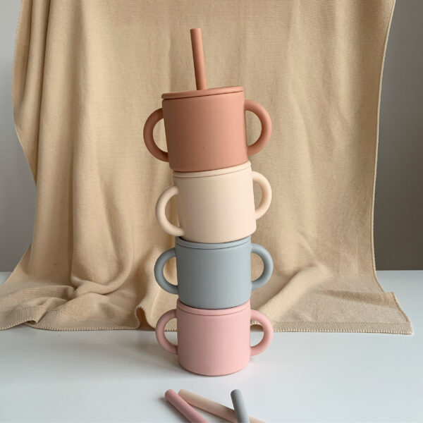 The Future Artist Training Cup with Straw alle kleuren 2
