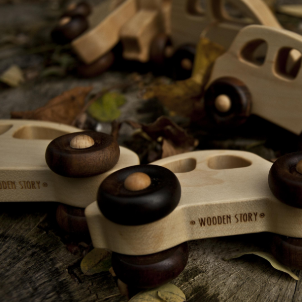 Wooden Story english-taxi 4.jpg